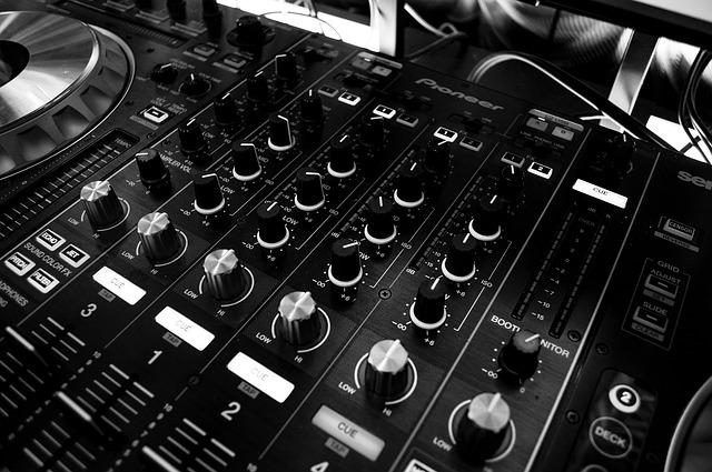 Mixážní pult