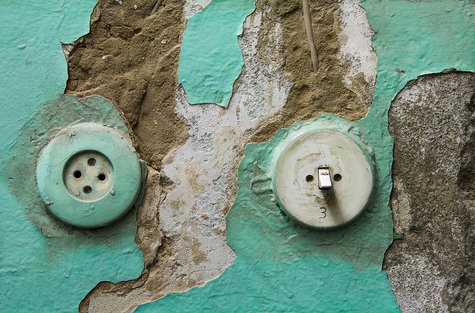 stará elektroinstalace